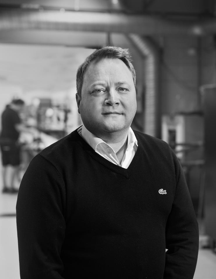 Michael Steiner Försäljningsingenjör med förflutet på Pentronics ackrediterade kalibrerings-laboratorium sedan 1994, där han under en period ansvarade för kalibrering av IR-pyrometrar. Arbetar idag med att lösa mät-tekniska problem